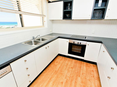 11. Sandcastles-Currumbin-Full Kitchens in all Sandcastles Apartments